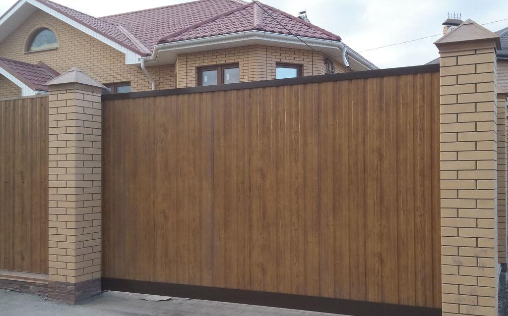 Фото откатных ворот, установленных СК ПРОСТОR