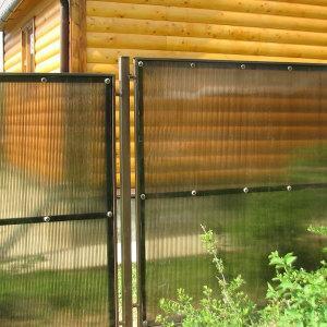 Забор-из-поликарбоната1